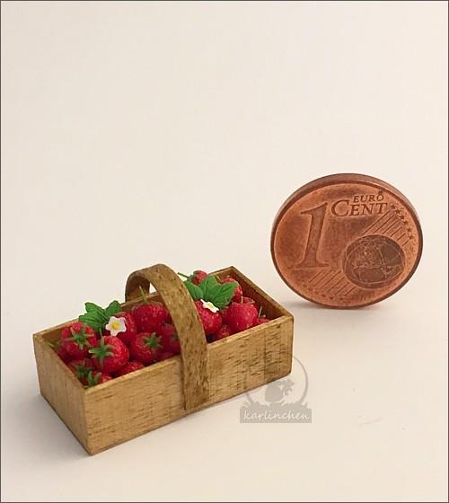 Körbchen mit Erdbeeren