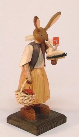Hasenmädchen mit Osterlamm