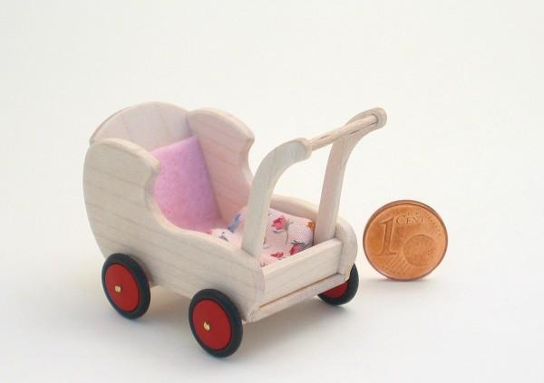 Puppenwagen mit Kissen