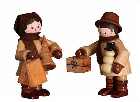 Winterkinder Einkaufspaar