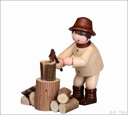 Holzhacker mit Hackstock