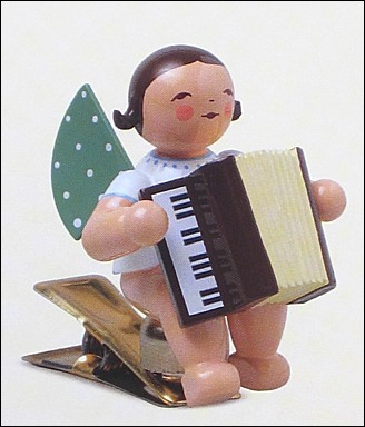 angel with accordion on clip