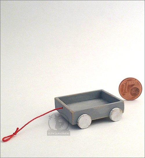 cart with wheels / gray
