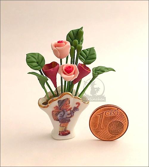 Vase mit Blumen / Hummeldekor