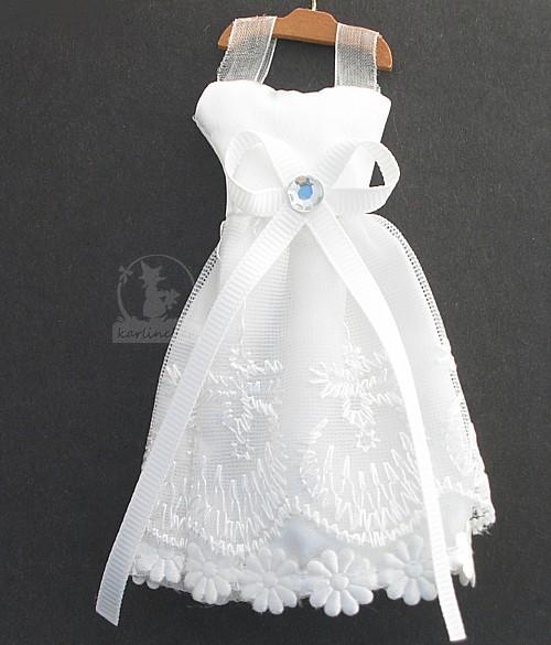 Hochzeitskleid mit Kleiderbügel