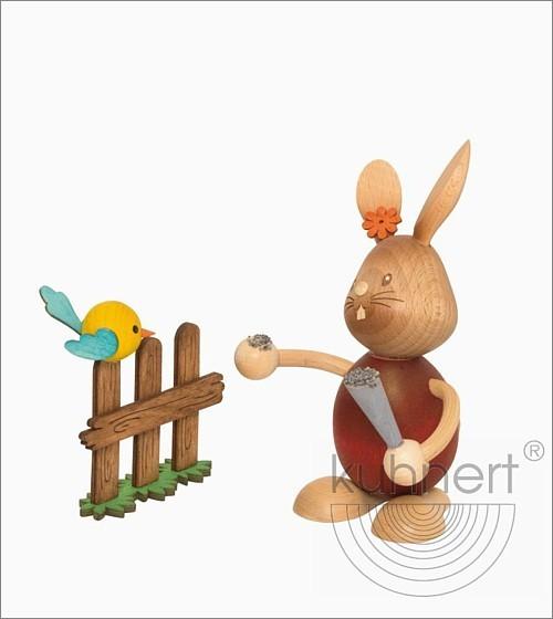 Hase Stupsi mit Vogel am Zaun