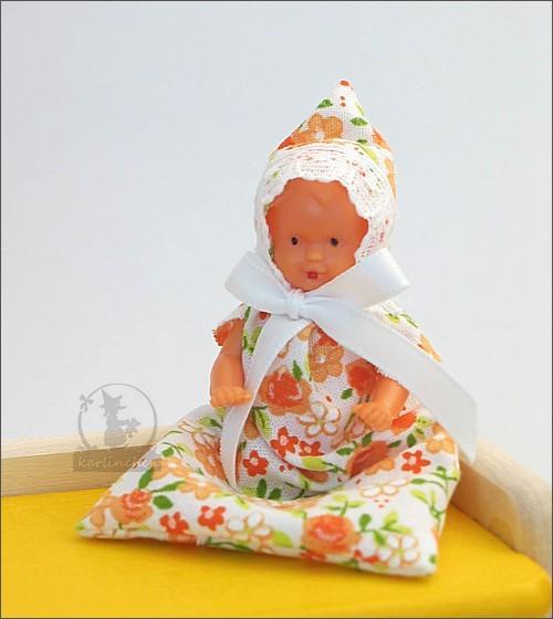 Babypüppchen im Schlafsack / 9,5 cm