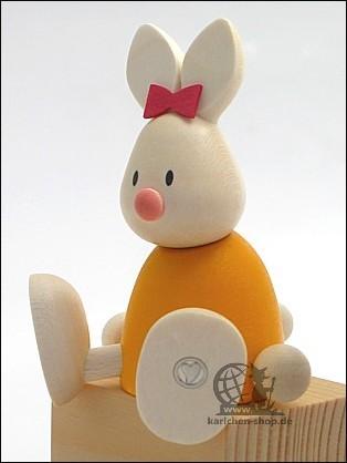 Kaninchen Emma, sitzend