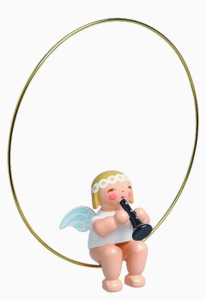 Christbaumengel im Ring mit Klarinette