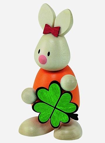 Kaninchen Emma mit Kleeblatt