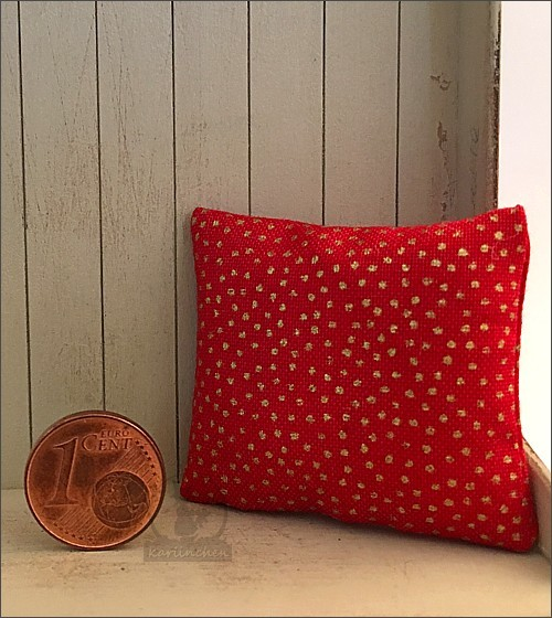 pillow, red