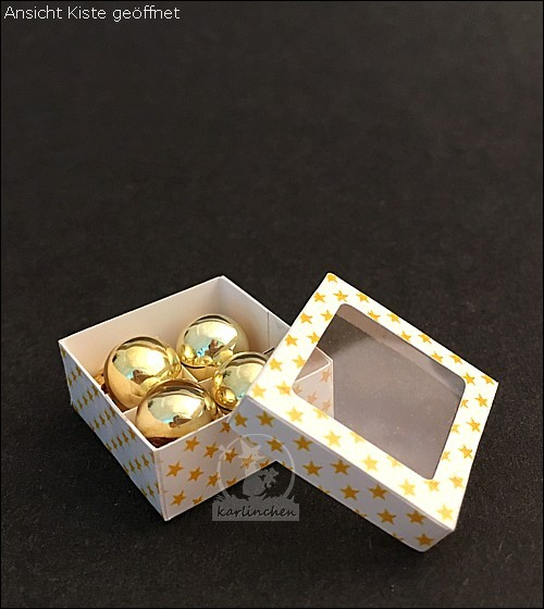 Schachtel mit 4 Christbaumkugeln / goldfarben